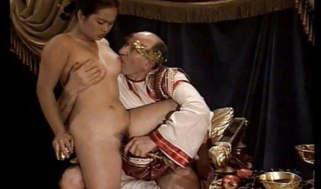 Seks untuk bokep ibu tiri selingkuh uang dengan orang asing drive pirang beberapa