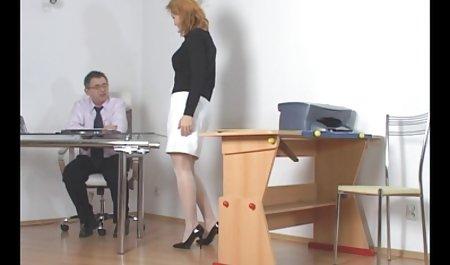 Istri selingkuh MILF rides kasar bi-Bi-si, sedangkan suami jav perselingkuhan jam tangan